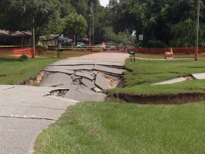 Sink hole opens up north of tampa in spring hill community