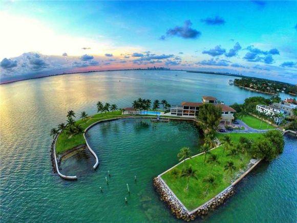 775 S Mashta Dr Waterfront Real Estate In Miami Florida
